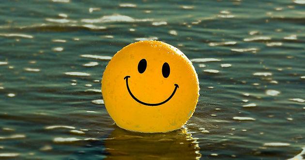 Escolher ser feliz. A vida é feita de escolhas. Podemos… | by ...